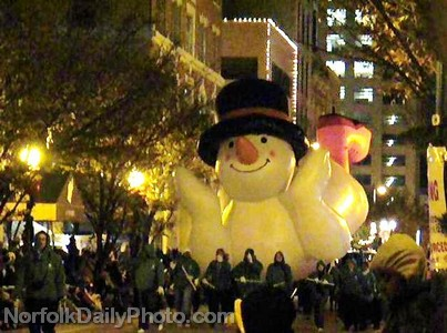 Frosty the Snowman Helium Balloon - Norfolk Grand Illumination Parade
