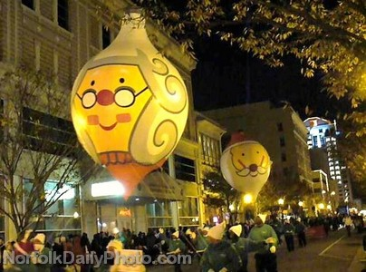 Santa Claus and Mrs. Claus Helium Balloons - Norfolk Grand Illumination Parade