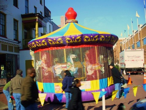 Kiddie Carousel on High Street