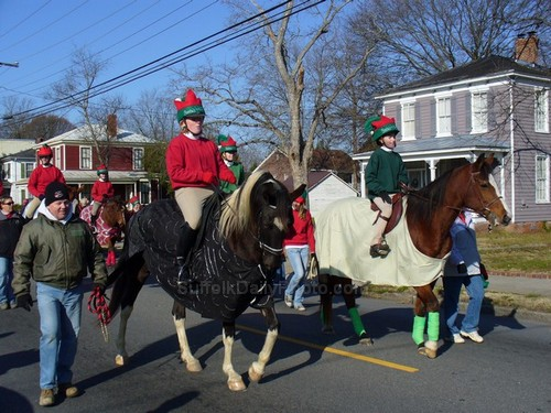Horsefeathers Equestrians at Downtown Suffolk Holiday Parade