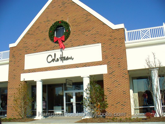 Cole Haan Outlet Store Cole Haan is America's premier style and luxury brand with a signature collection of high-quality men's and women's footwear, iconic handbags, personal leather goods and hand-tailored coats.